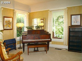 [photo of piano room]